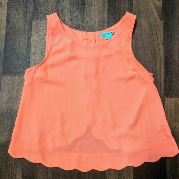 Double Zero Tops - Anthro.Double Zero Coral Scallop Edge Hem Crop Top